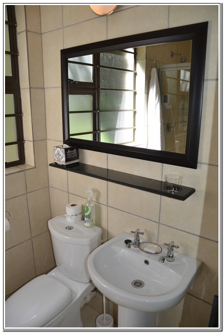 Private_room_6_Dusk_to_Dawn_Guest_House_Burgersdorp_bathroom