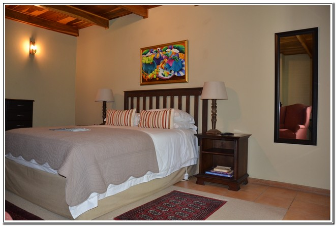 Private_room_6_Dusk_to_Dawn_Guest_House_Burgersdorp_double_room