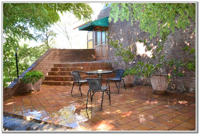 Private_room_6_Dusk_to_Dawn_Guest_House_Burgersdorp_private_verandah