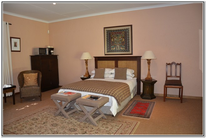 Winter Garden En-Suite Room 4 - Dusk to Dawn Burgersdorp Guest House Double bed