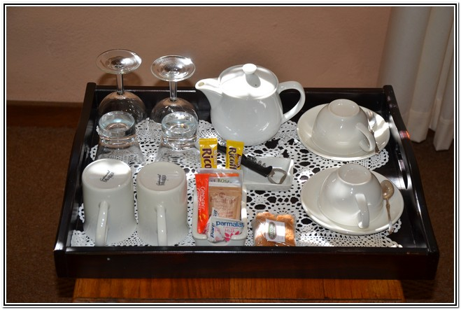 Winter Garden En-Suite Room 4 - Dusk to Dawn Burgersdorp Guest House - cups-glasses-coffee-sugar etc