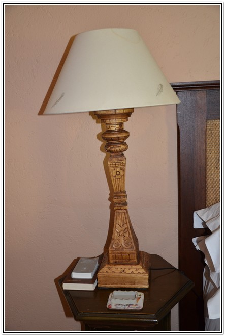 Winter_Garden_En-Suite_Room_4_-_Dusk_to_Dawn_Burgersdorp_Guest_House_lamp_next_to_bed